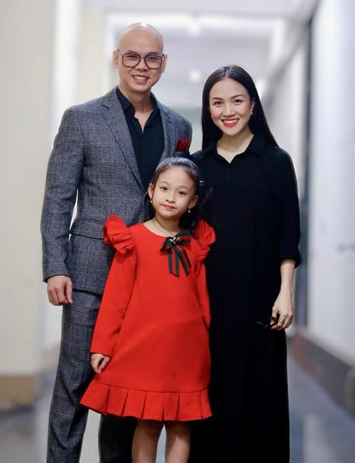 Gia đình ca sĩ Phan Đinh Tùng.