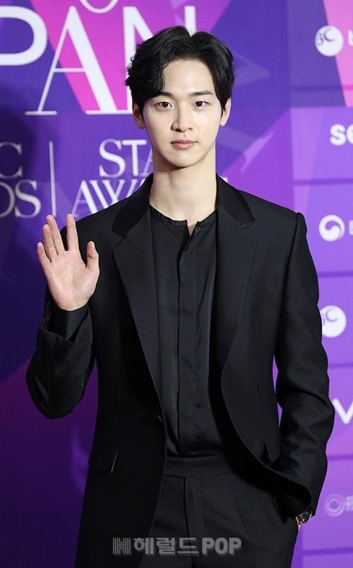 Diễn viên Jang Dong Yoon.