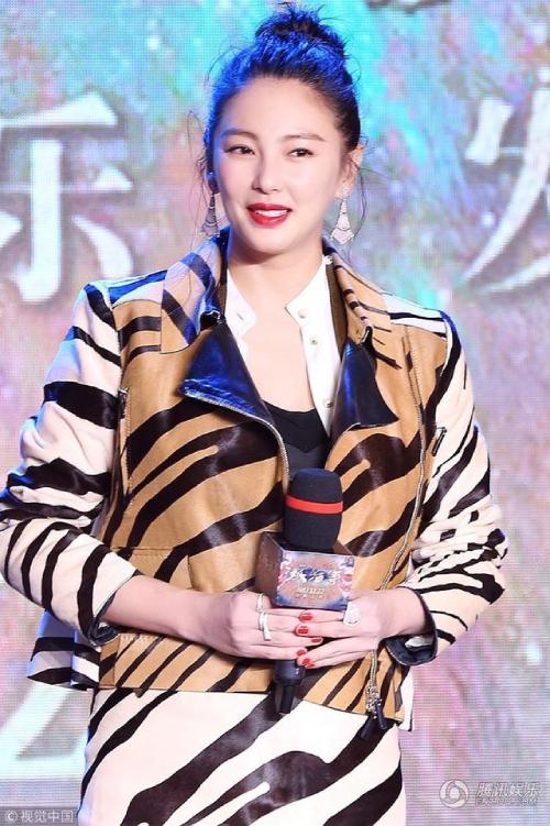 Trương Vũ Kỳ phủ nhận bản thân nhờ mang thai hộ để có hai con một trai, một gái.