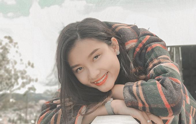 Nhan sắc Á khôi Sinh viên học giỏi Nguyễn Trần Vân Đình - 16