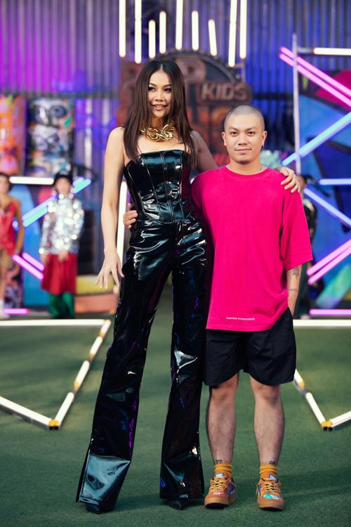 Siêu mẫu Thanh Hằng và nhà thiết kế Hà Nhật Tiến.