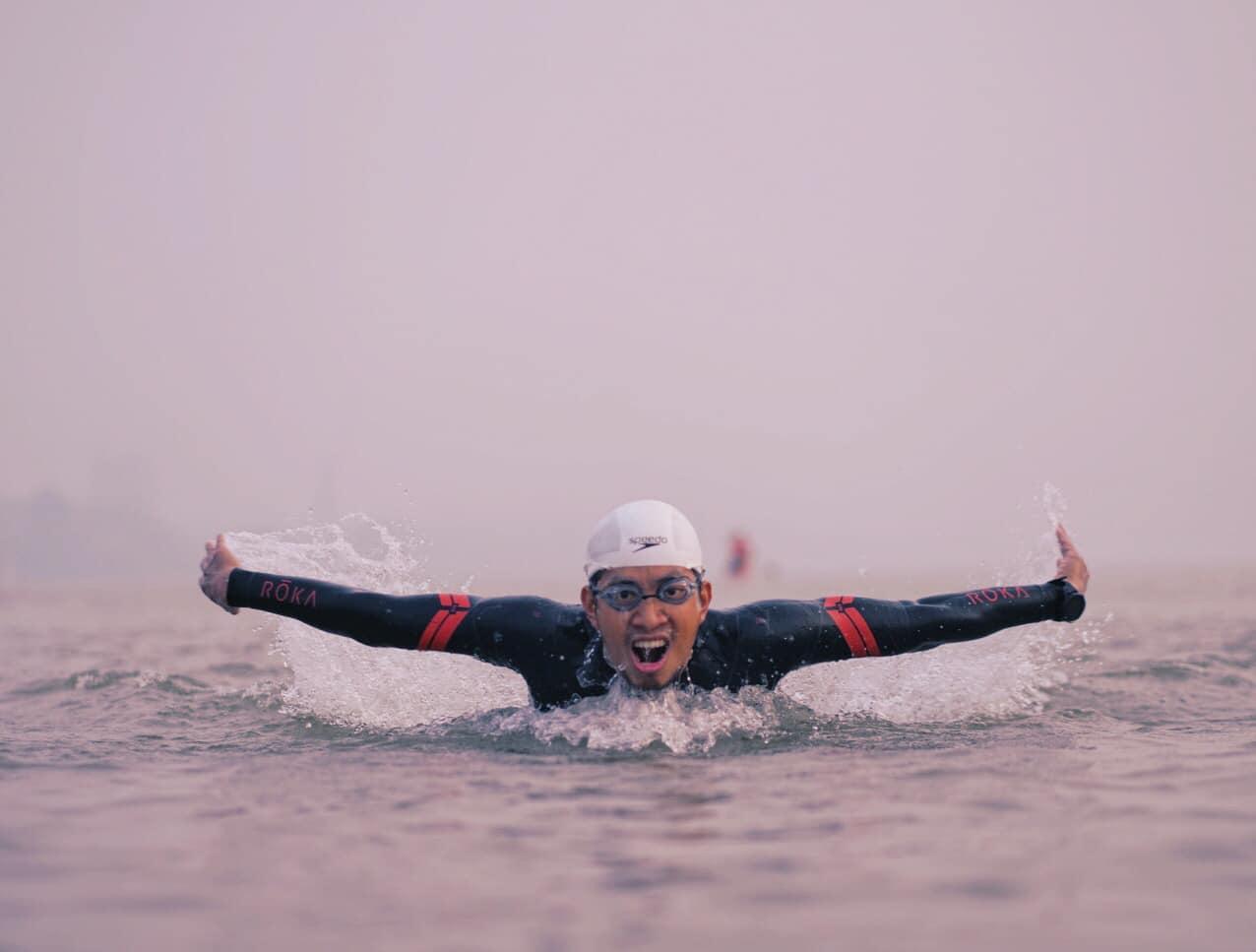 Ngày đầu tiên khánh bơi được 10 đến 15km thì nghỉ một lần. Ảnh: Nhân vật cung cấp.