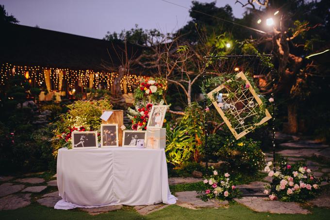 Chúng tôi quyết định trang trí tiệc cưới phong cách kiểu rustic, mộc mạc và tự nhiên, chủ yếu sẽ dùng các yếu tố cây cỏ, rất phù hợp với không gian ngoài trời, Thùy Dung chia sẻ.
