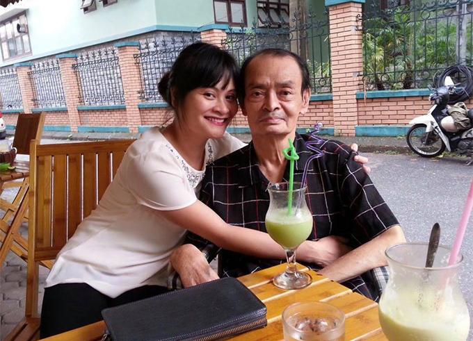 Nhạc sĩ Thanh Tùng lúc sinh thời và con gái út Bạch Dương.