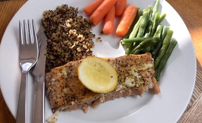 Bữa trưa được xem như bữa chính trong ngày của Trân Đài.