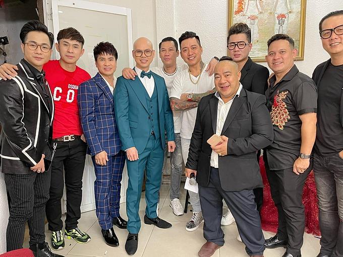 Phan Đình Tùng, Tuấn Hưng và nhiều nghệ sĩ góp mặt trong đêm nhạc tưởng nhớ và gây quỹ hỗ trợ cho các con của cố ca sĩ Vân Quang Long.
