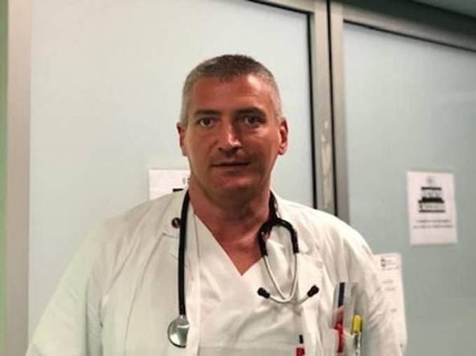 Bác sĩ Carlo Mosca tuyên bố những cáo buộc giết người đối với mình là vô căn cứ. Ảnh: