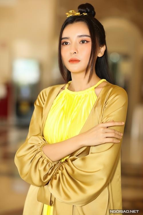 Đối với vai diễn mang tính biểu tượng của ghen tuông trong văn học, Cao Thái Hà từng cắt liên lạc với gia đình, đóng mạng xã hội để nhập vai.