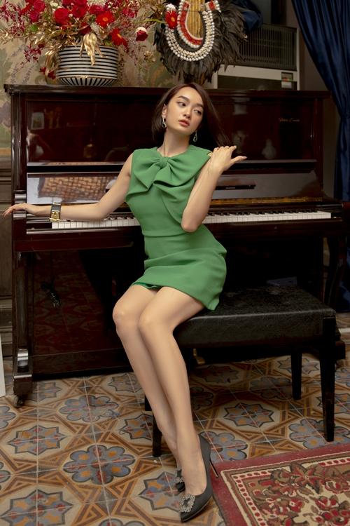 Đóng vai Lý Linh trong Gái già lắm chiêu V, Kaity Nguyễn đồng cảm với nhân vật ở tính cách già trước tuổi. Cô thích thú với phong cách thời trang, không gian sống của vai diễn này.