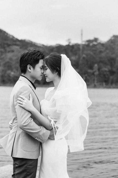Ảnh cưới của Phan Thành và Primmy Trương chụp tại Đà Lạt theo concept một chuyến đi.