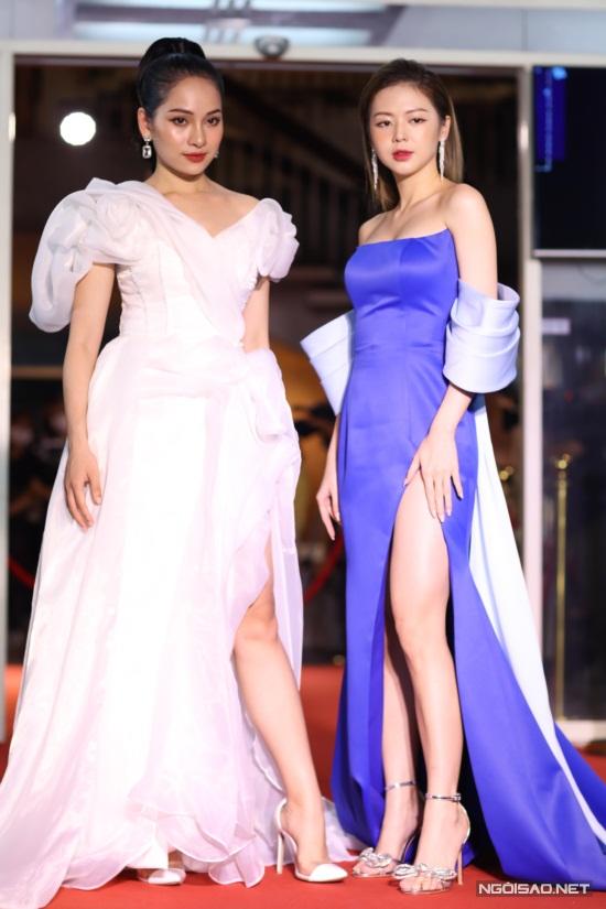 Diệu Nhi, Hòa Minzy mặc nổi bật trên thảm đỏ Làn Sóng Xanh - 10
