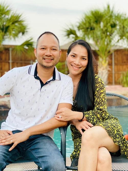 Hồng Ngọc và chồng - anh Thomas Tâm Nguyễn.