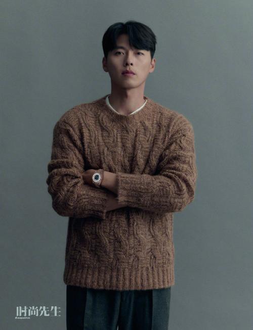 Hyun Bin hiện gây xôn xao với thông tin mua nhà mới ở Gyeonggi-do, Seoul với giá 4,8 tỷ won để chuẩn bị lấy vợ. Tuy nhiên, ngôi sao Hàn không xác nhận thông tin này.