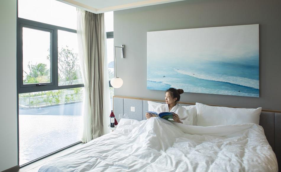 Khu nghỉ dưỡng tọa lạc tại vị trí đắc địa, sát bên bãi Kem - Top 100 bãi biển đẹp nhất hành tinh do Flight Network bình chọn. Bên cạnh đó, nơi đây còn sở hữu những phòng nghỉ sang trọng, tiện nghi với tầm nhìn bao trọn ra vùng biển lãng mạn, cùng dịch vụ chuyên nghiệp từ Tập đoàn quản lý khách sạn nổi tiếng AccorHotels.