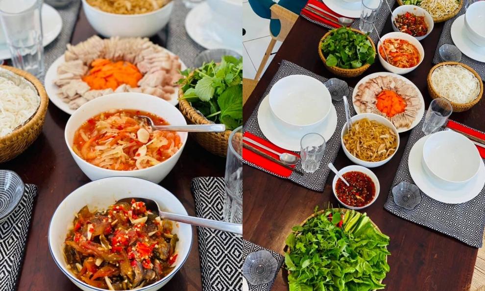 Bằng Lăng tự tay chuẩn bị nhiều món ăn ngon đãi khách: tép chua đua đủ ăn với thịt luộc, bì cuốn, thịt ba rọi chiên sả ớt...