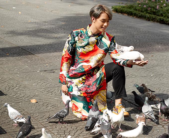 Photo: Phúc Phan, Di Dương. Stylist: Tân Đà Lạt. Make-up: Lý Trường Giới.