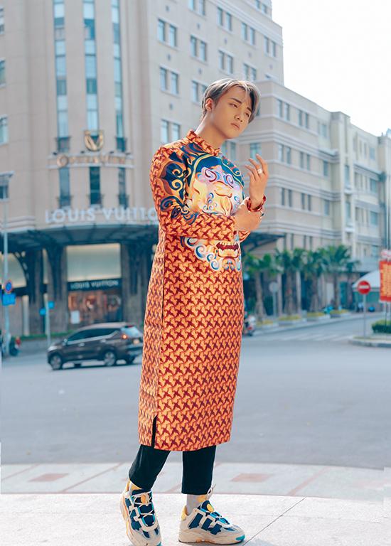 Hot boy Hải Đăng Doo phối áo dài với giày sneaker - 6