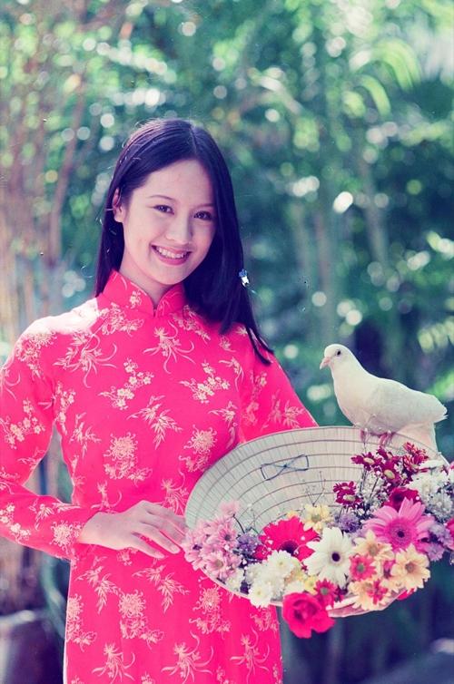 Đạo diễn Vũ Ngọc Đãng nói tuy là người mới nhưng Thanh Thúy tạo dáng rất chuyên nghiệp, có được nhiều ảnh đẹp.