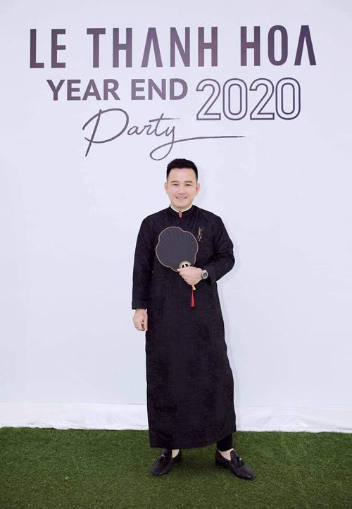 Cơn sốt áo dài ngũ thân xuân 2021 - 20