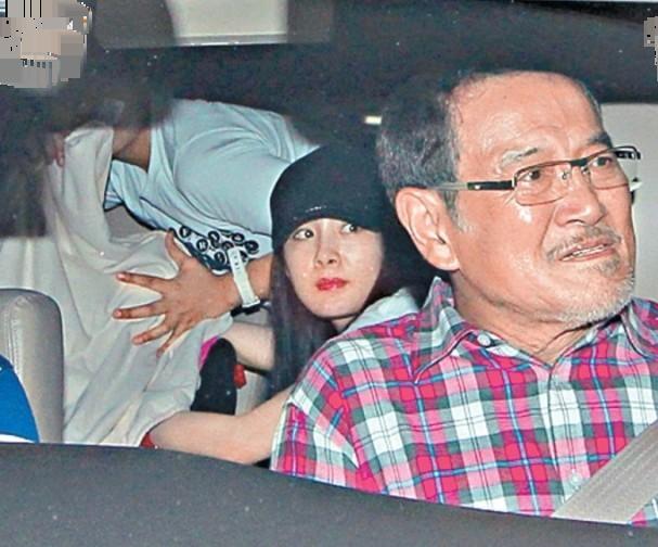 Là người của công chúng, ông Lưu Đan được cho là rất thông cảm với con dâu cũ.