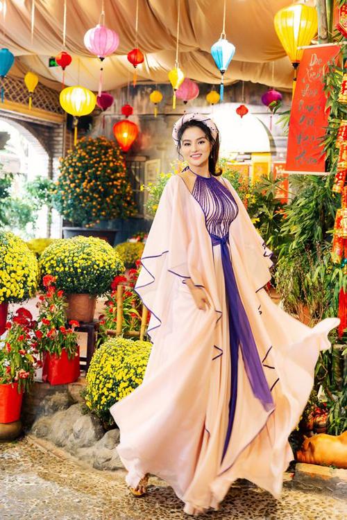 Phong cách Á Đông của sao Việt - 16