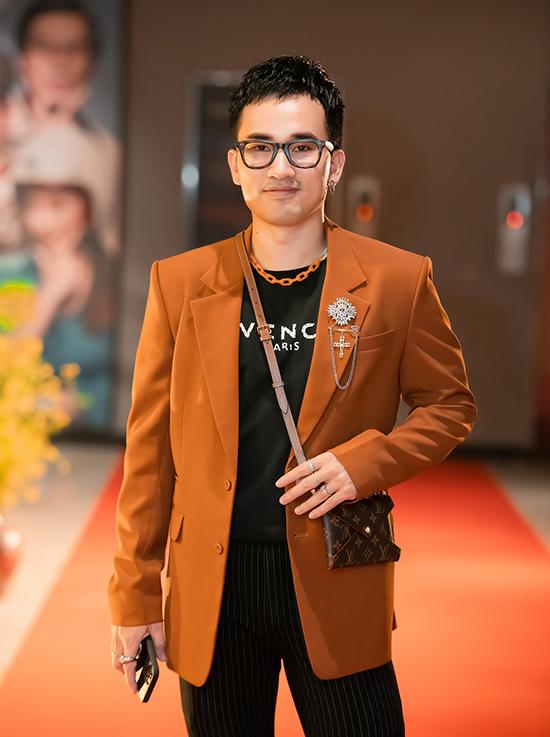 NTK Hà Duy: Cửa hàng Lê Thanh Hòa mở bên cạnh, tôi kinh doanh càng tốt