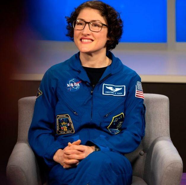 11 tháng làm việc trên Trạm vũ trụ quốc tế ISS cũng giúp Christina lập kỷ lục về số ngày làm việc liên tiếp của một nữ phi hành gia ngoài vũ trụ.