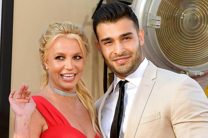 Britney Spears và Sam Asghari.