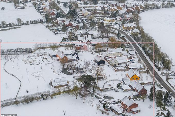Biệt thự của Ed Sheeran chìm trong bão tuyết