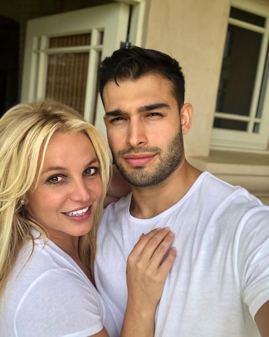 Sam Asghari gắn bó bên Britney hơn 4 năm qua.