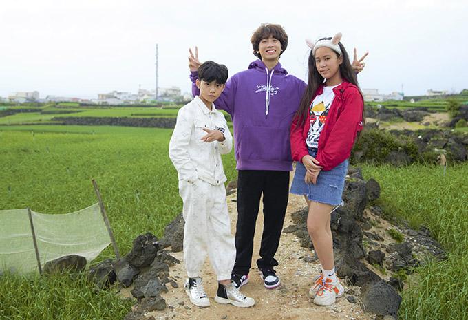 Bella Vũ cùng hai người bạn dành thời gian tham quan cảnh thiên nhiên mộc mạc, yên bình ở đảo Lý Sơn.