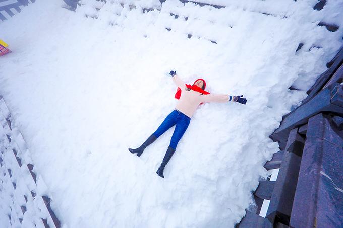 Đỉnh Fansipan chìm trong tuyết trắng dày 60 cm - 12