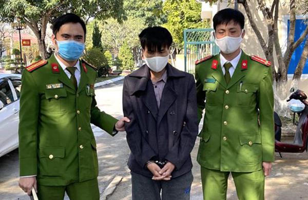 Công an bắt Sùng A Tông sau ba ngày gây án.