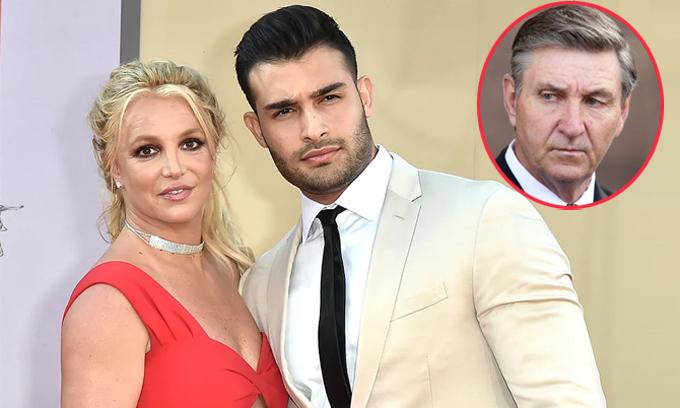 Sam Asghari chỉ trích bố của Britney Spears.