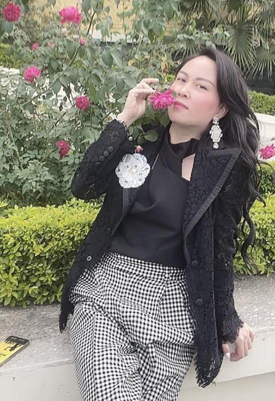 Phượng Chanel đã về Hà Nội đón xuân cùng mẹ và con gái còn Quách Ngọc Ngoan hiện sum họp với gia đình anh ở Cà Mau. Do dịch bệnh căp đôi chia nhau ai về quê người đấy ăn Tết, tránh di chuyển nhiều nơi để bảo đảm an toàn cho bản thân và cộng đồng.