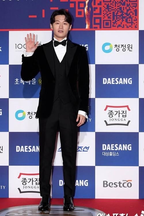 Diễn viên Lee Hak Joo.