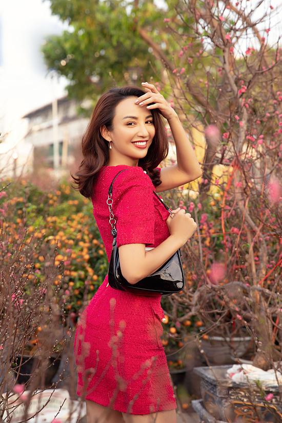 Năm nay, gia đình Hoa hậu Ngọc Diễm đón Tết tại quê nhà Cam Ranh (Khánh Hòa) cùng họ hàng.