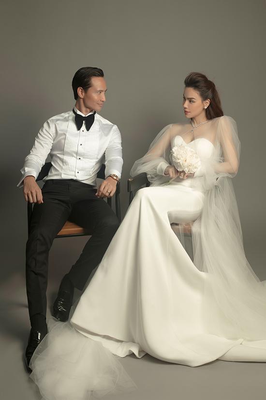 Cặp đôi đăng ký kết hôn từ đầu năm ngoái nhưng chưa tổ chức đám cưới. Hồ Ngọc Hà cho biết, cô sẽ suy nghĩ đến hôn lễ nếu các con yêu cầu. Nữ ca sĩ viên mãn với những gì đang có, đặc biệt là gia đình hạnh phúc với người chồng lãng mạn, tâm lý, cậu con trai Subeo thông minh và hai bé song sinh Lisa - Leon đáng yêu.