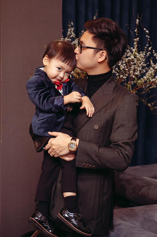 Cậu nhóc Kem Kem ngày càng đáng yêu, lém lỉnh và có lượng fan đông đảo trên mạng xã hội.