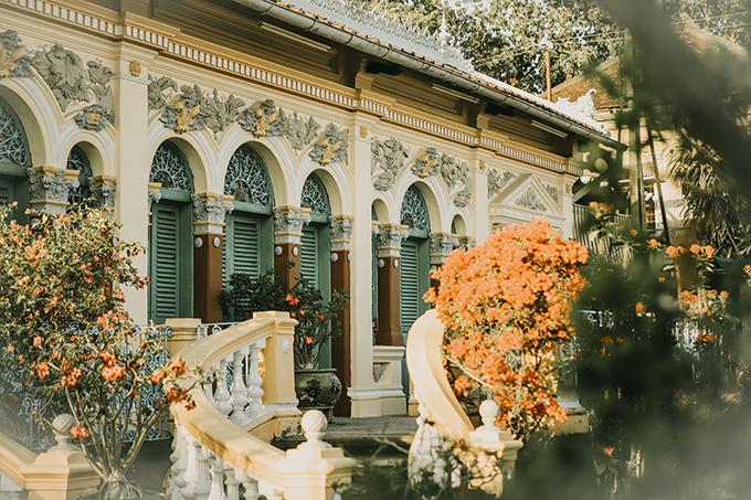 Nhà cổ Bình Thủy là ngôi nhà cổ được đánh giá là đẹp nhất xứ Tây Đô còn được dùng làm bối cảnh của nhiều phim nổi tiếng.