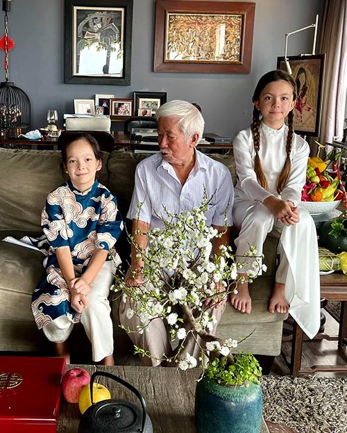 Hồng Nhung cũng tiết lộ Tôm phụ trách dọn nhà nhưng ngủ quên lúc đang làm vệ sinh phòng tắm.