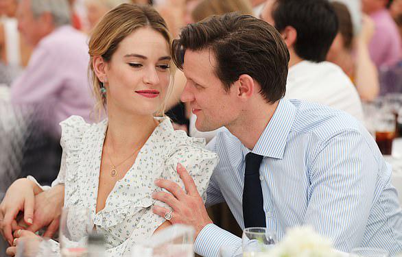 Trước đó, người đẹp phim Lọ Lem, Mamma Mia 2 có mối tình kéo dài 4 năm với nam diễn viên Matt Smith.