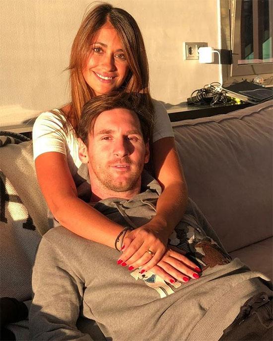 Bà xã Antonella của siêu sao Messi đăng ảnh tình cảm bên chồng trong ngày Valentine.