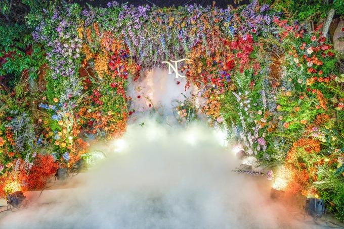 Bảng màu của hôn lễ đa dạng, lấy cảm hứng từ ý tưởng một khu rừng cổ tích.