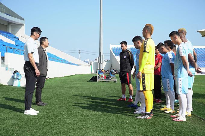 Hôm qua 15/2 (mông 4 Tết), CLB Đà Nẵng hội quân trở lại để chuẩn bị cho V-League 2021. Thầy trò Lê Huỳnh Đức có buổi tập khai xuân trên SVĐ Hoà Xuân.