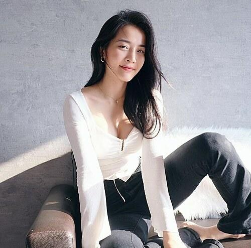 Diễn viên Karen Nguyễn gợi cảm qua ống kính của bạn trai Lưu Chấn Bang.