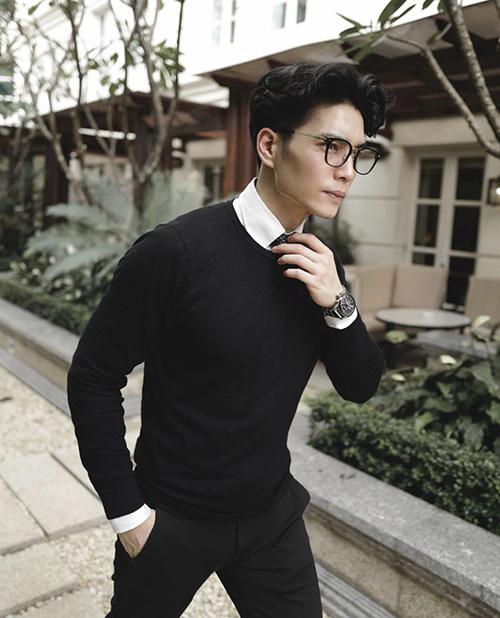Bạn trai tin đồn Ngô Thanh Vân chuộng đồ đơn sắc - 10