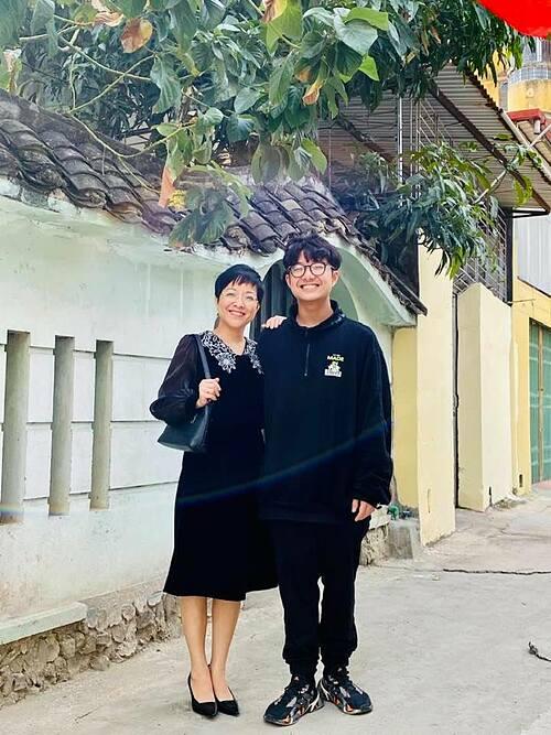 Con trai ngày càng cao lớn, điển trai của MC Thảo Vân.