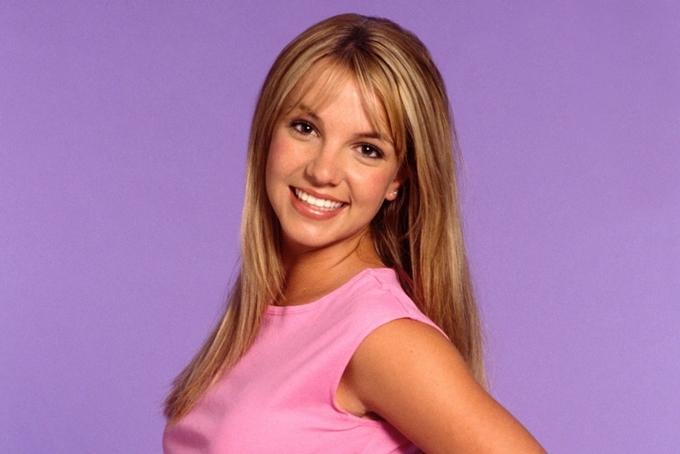 Britney Spears sớm nổi tiếng trên toàn cầu từ thời tuổi teen.