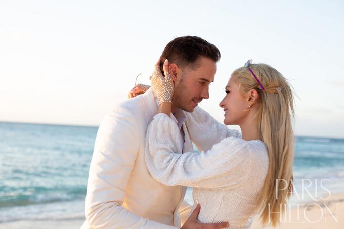 Paris sẽ kết hôn và sinh con với bạn trai doanh nhân.